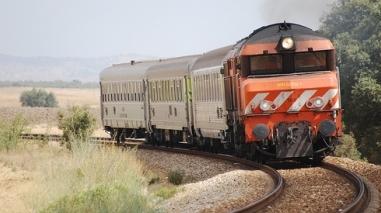 Parlamento discute suspensão da circulação na linha ferroviária do Alentejo