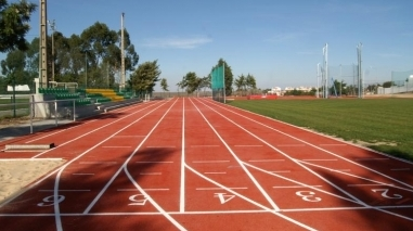 """""""Dia do Atletismo"""" na pista simplificada de Castro Verde"""