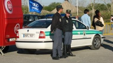 GNR detém menor e jovem de 19 anos pela prática de prostituição