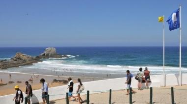 """Praia da Zambujeira do Mar perde bandeira azul """"temporariamente"""""""
