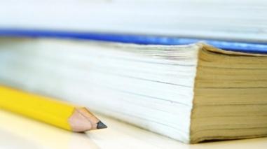 Câmara da Vidigueira distribui manuais escolares a alunos do concelho