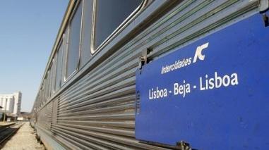 """Comboios: Assembleia da República """"chumbou"""" ligações directas entre Lisboa e Beja"""