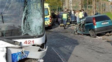Milfontes: Cinco feridos em colisão que envolveu camião que transportava matérias perigosas