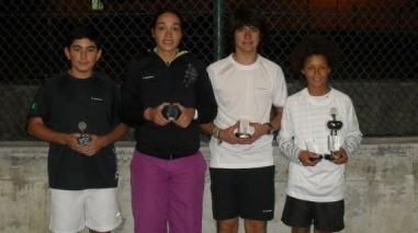 Treinadora e tenistas de Ferreira do Alentejo premiados em Évora