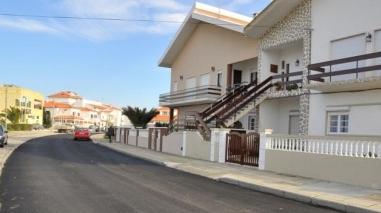 Repavimentação de ruas danificadas pelo mau tempo avança em Sines