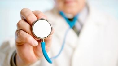 Câmara de Santiago do Cacém quer saber quando chegam mais médicos cubanos