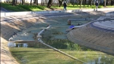 """Câmara de Ferreira do Alentejo dá """"mais vida"""" ao lago do Jardim Municipal"""