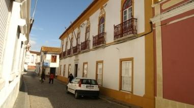 Câmara de Cuba dá nome de antiga professora primária a uma rua