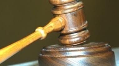Ex-funcionário da Assembleia Distrital que desviou dinheiro condenado por peculato