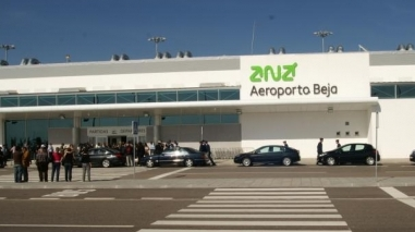 """Municípios e empresas exigem """"urgência""""  na criação do grupo de trabalho sobre o aeroporto de Beja"""