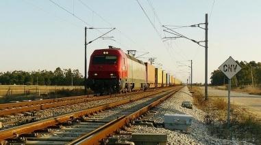 Governo quer ligação ferroviária de Sines à Europa até 2014
