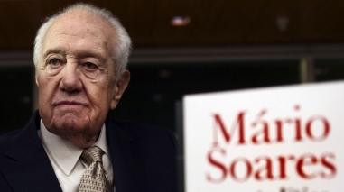 Mário Soares apresenta livro auto-biográfico em Ferreira do Alentejo
