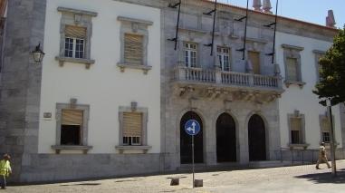 Câmara de Beja em tribunal para impedir o Estado de reter 5% do IMI