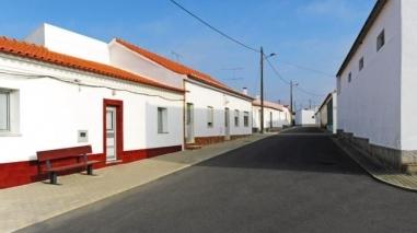 Câmara de Mértola inaugura saneamento e arruamentos em Algodor