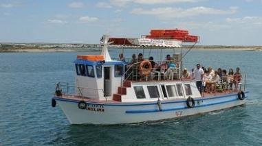 Câmara de Mértola promove passeios de barco para idosos e reformados