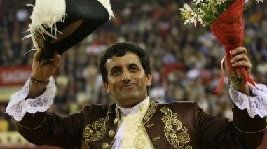 Cavaleiro Luís Rouxinol homenageado em Entradas pelos 25 anos de alternativa