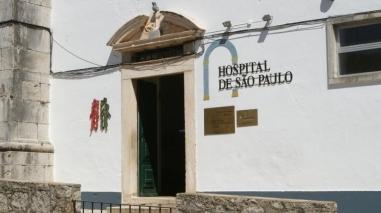 Maioria parlamentar chumba manutenção e reposição de serviços no Hospital de Serpa