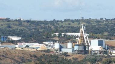 Trabalhadores de Neves-Corvo fazem greve ao trabalho extraordinário