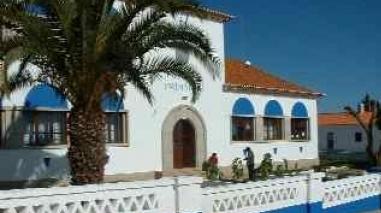 Escola Básica de Corte do Pinto vai continuar aberta em 2012-2013