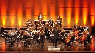 Teatro Pax Julia recebe concerto da Orquestra do Algarve dirigida pelo maestro Vitorino d'Almeida