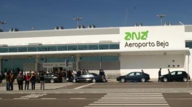 Grupo de trabalho do aeroporto de Beja entrega relatório ao Governo