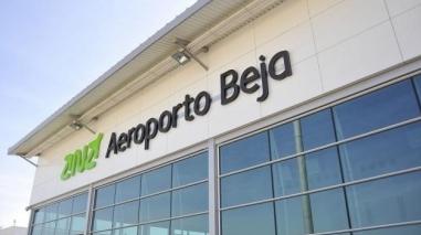 Empresários da indústria aeronáutica visitam aeroporto de Beja