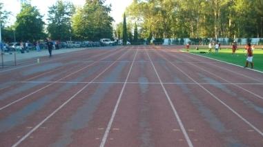 Associação de Atletismo pede substituição do piso da pista de Beja