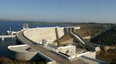 Alqueva regou quase 34 mil hectares na campanha de 2012