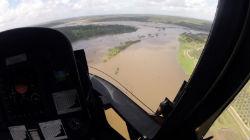 Helicóptero resgatou homem