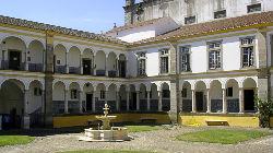 Professor da Universidade de Évora