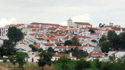 Vila de Mora tem ruas