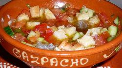 Gaspachos e tomatadas para