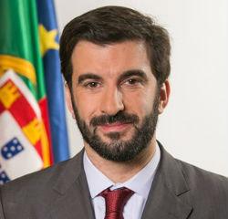 """Ministro diz que obras podem avançar a """"breve trecho"""" na Secundária de Castro"""