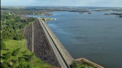Ministro do Ambiente na barragem da Rocha