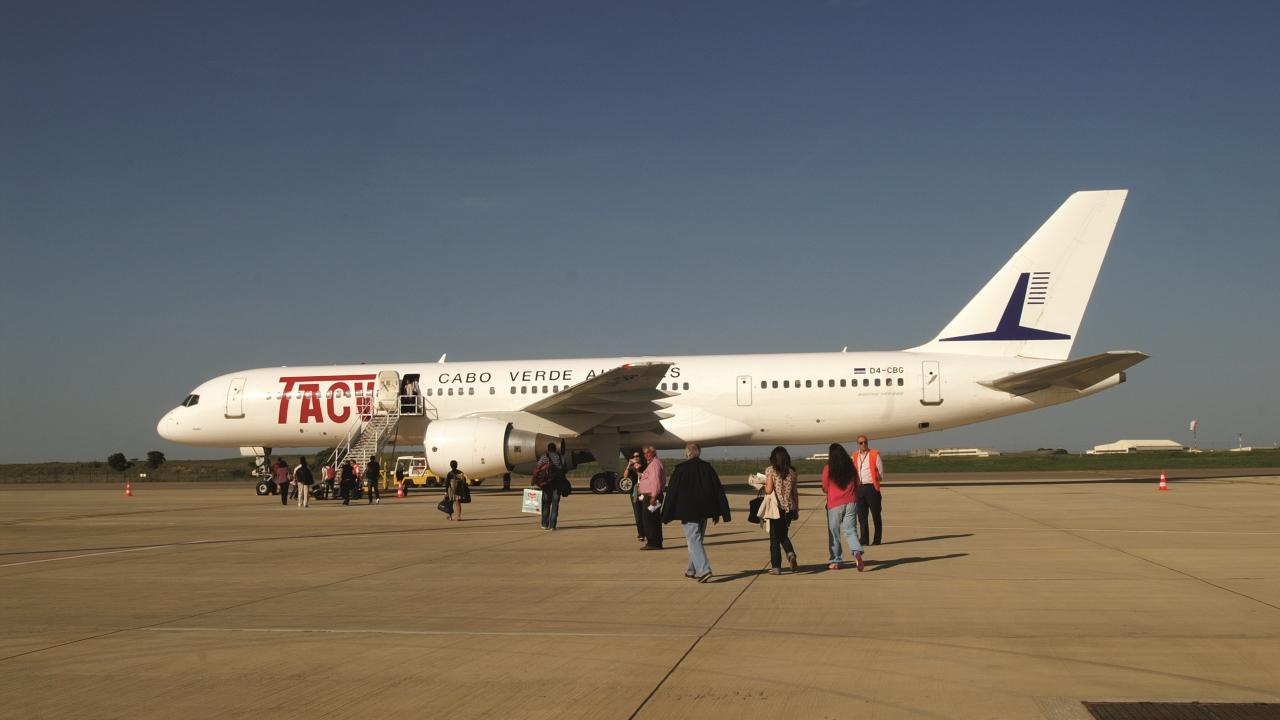 """10 anos de aeroporto de Beja. Da """"satisfação"""" à """"frustração"""""""