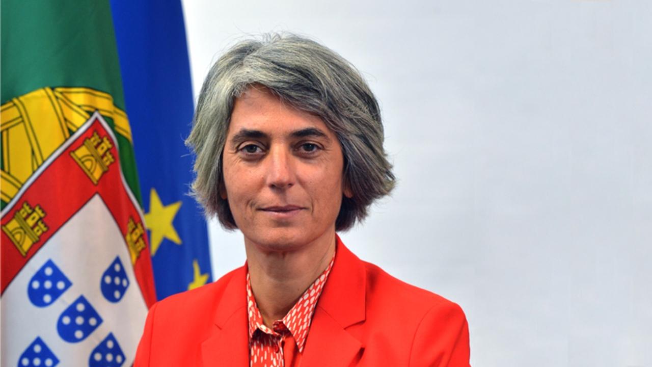 Ministra da Cultura inicia roteiro pelo país em Beja