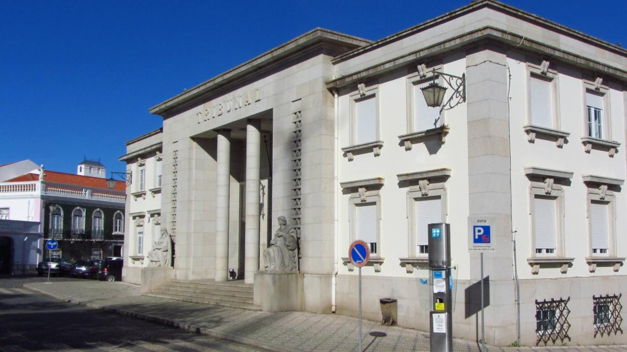 Tribunal de Beja condena a pena suspensa técnico da Câmara de Ferreira do Alentejo