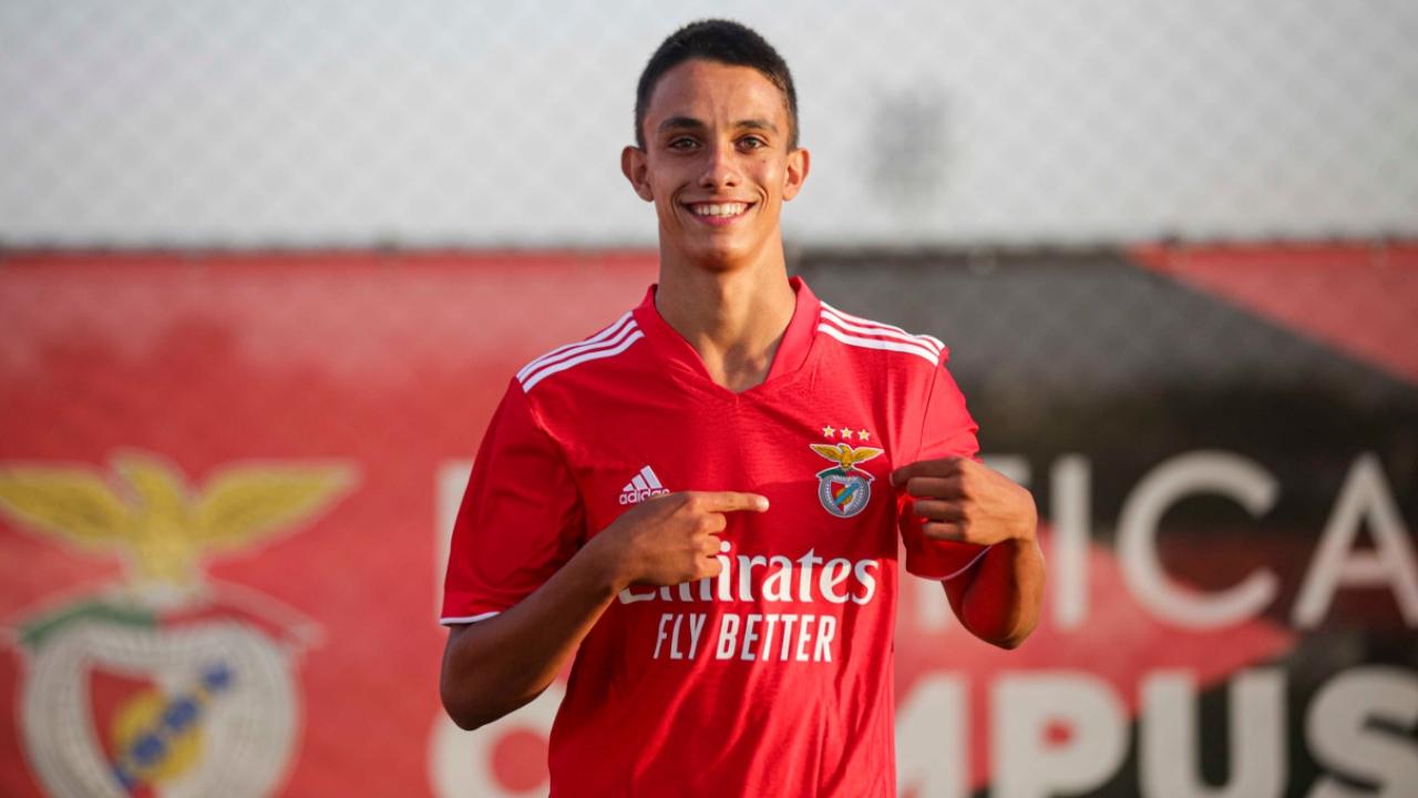 Jovem de Ourique assina contrato profissional com o Benfica