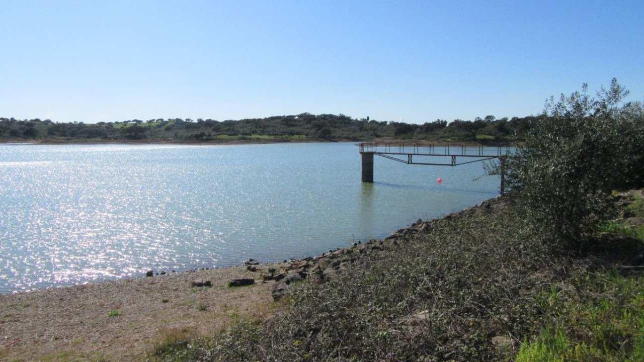 Instalação de piscinas flutuantes em barragem vence OPJ de Almodôvar